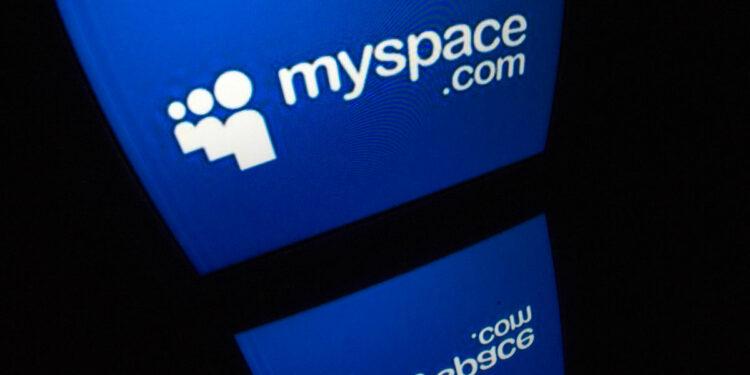 Издательство Time купило MySpace