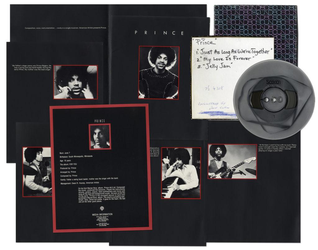 Вещи певца Принса выставлены на аукцион
