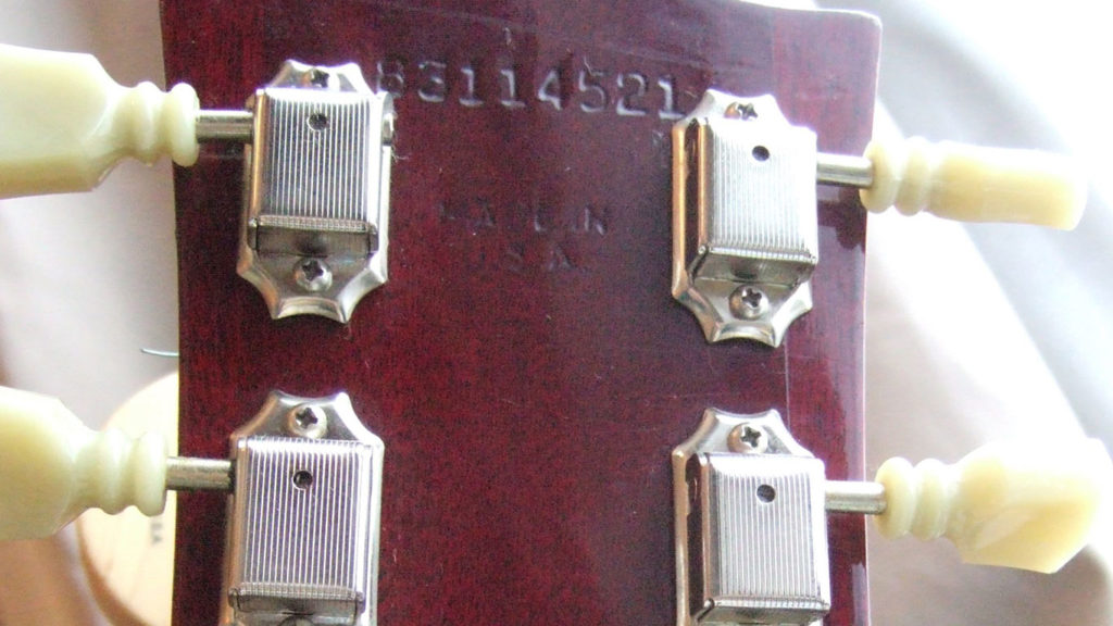 Надпись 'Made in USA' стала появляться на инструментах Gibson в 1970 году.