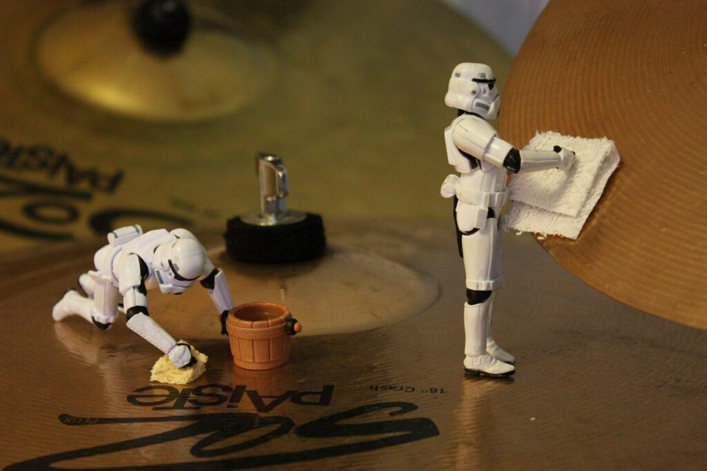 чистка барабанных тарелок