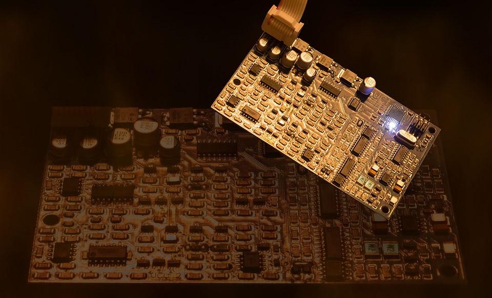 Синтезатор Shear Electronics Relic-6