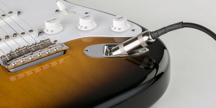 Гитарный кабель PowerWire с встроенным усилителем (R&M Tone PowerWire)