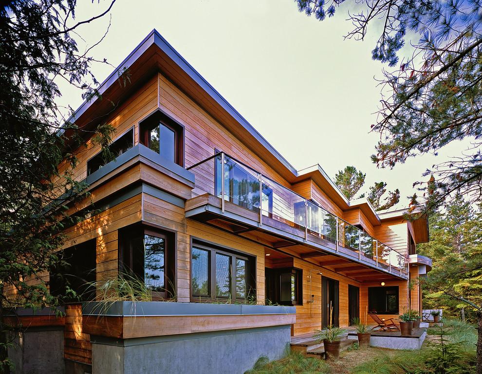 Symphonic House
