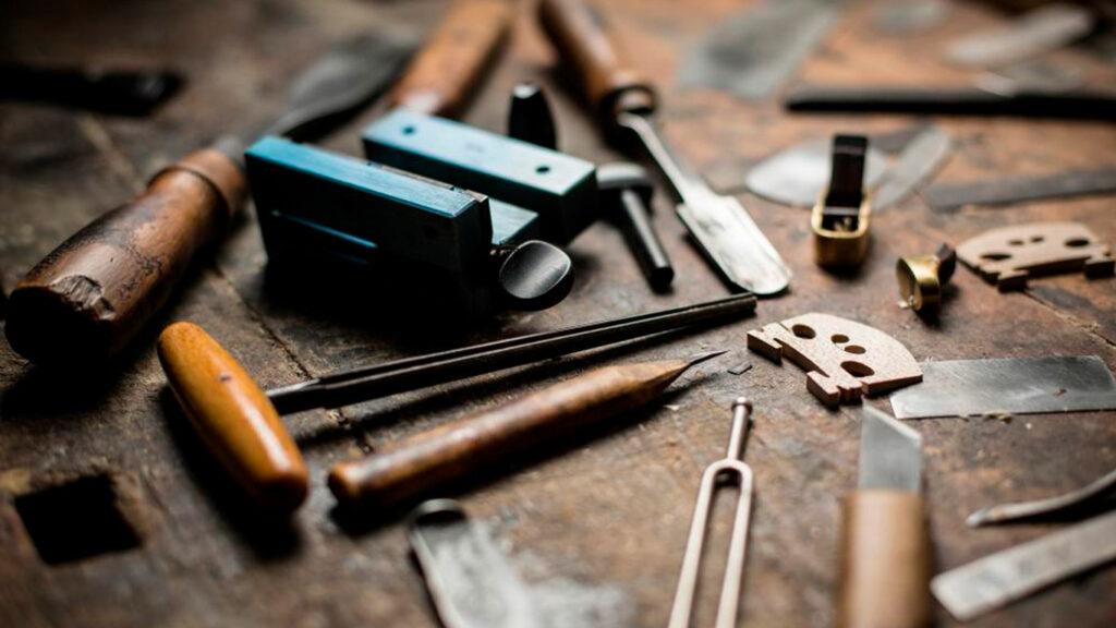 Как делают музыкальные инструменты?