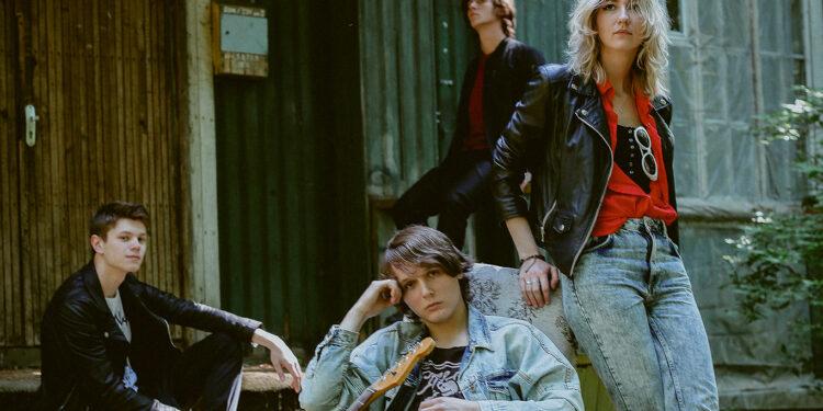 Группа Crimson Brooks, Санкт-Петербург
