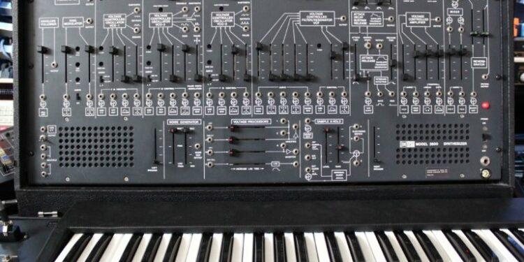 Новые синтезаторы Behringer