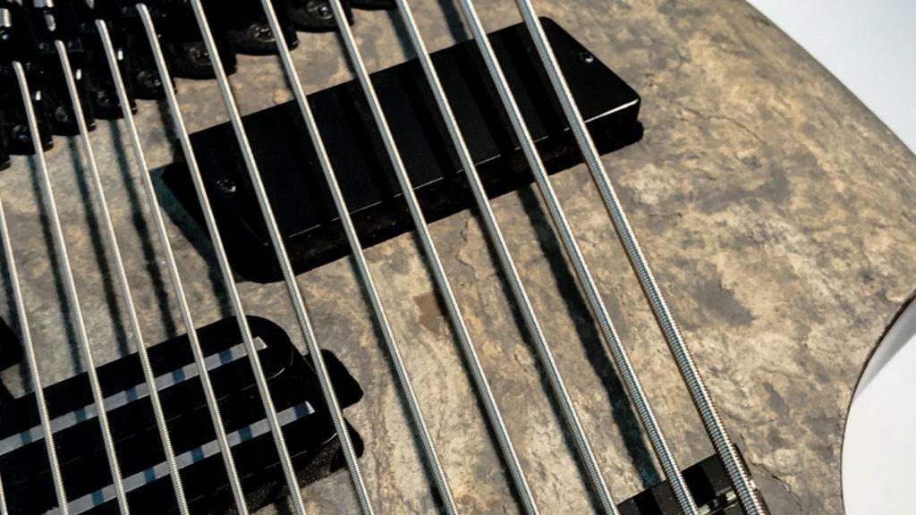 18-струнная электрогитара