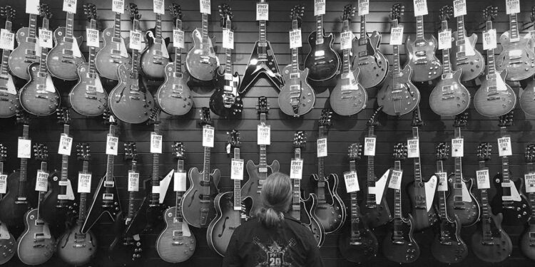 Gibson банкротство, Gibson кризис, проблемы в Gibson, проблемы Gibson, долги Gibson, Gibson на грани банкротства