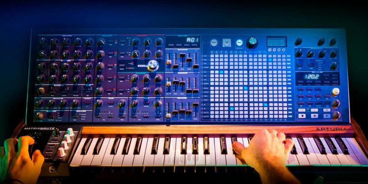 Arturia повышает цены на синтезатор Arturia MatrixBrute