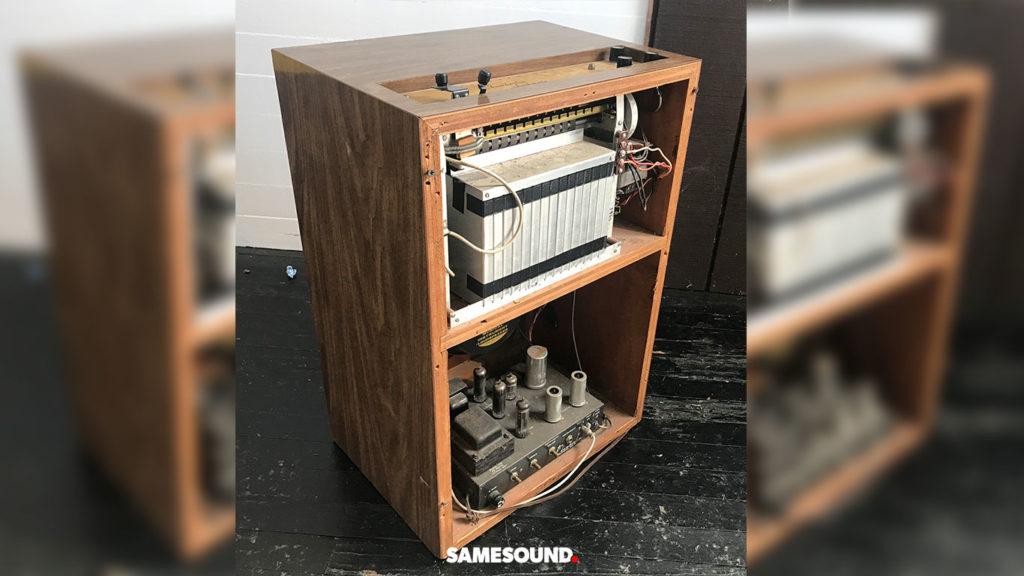 Chamberlin Rhythmate model 40, одна из первых драм-машин