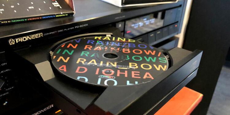 Винтажный CD-проигрыватель против современного