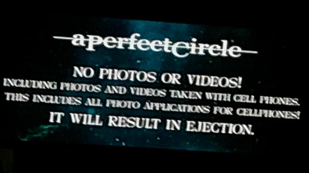 APerfect Circle запретили использовать смартфоны насвоих концертах
