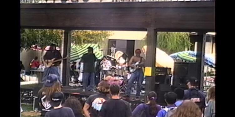 первое публичное выступление Rage Against The Machine