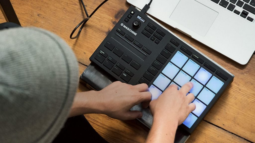 MIDI-контроллер Native Instruments MASCHINE MIKRO