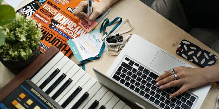 курс помузыкальному бизнесу, курс music business, moscow music school