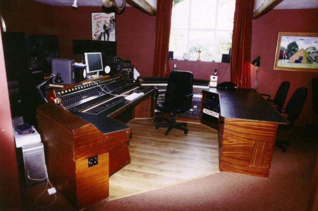 студийная консоль HeliosCentric Helios Console, студийная консоль Led Zeppelin
