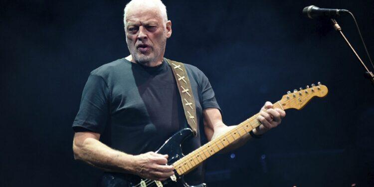 Дэвид Гилмор продаст 120 гитар из собственной коллекции