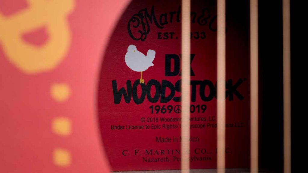 Martin DXWoodstock 50th, акустические гитары к 50-летнему юбилею Вудстока