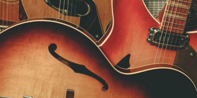 первая гитара, первые гитаристы знаменитых гитаристов