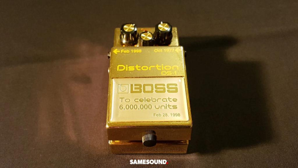золотой BOSS DS-1 Distortion, редкая педаль BOSS