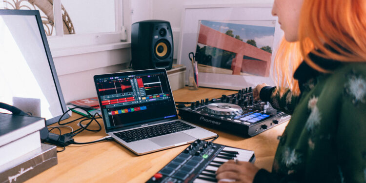 DAW для DJ Serato Studio