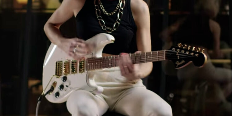 Fender Limited Mahogany Blacktop Stratocaster