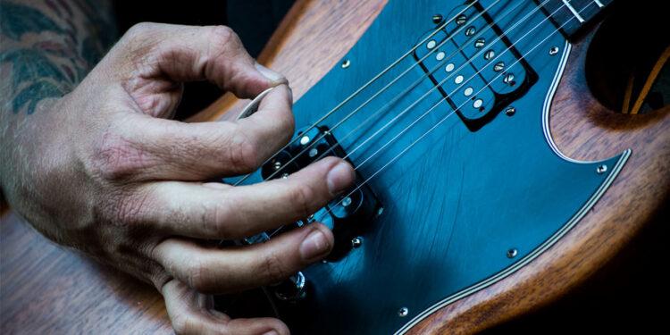 как играть на гитаре быстрее