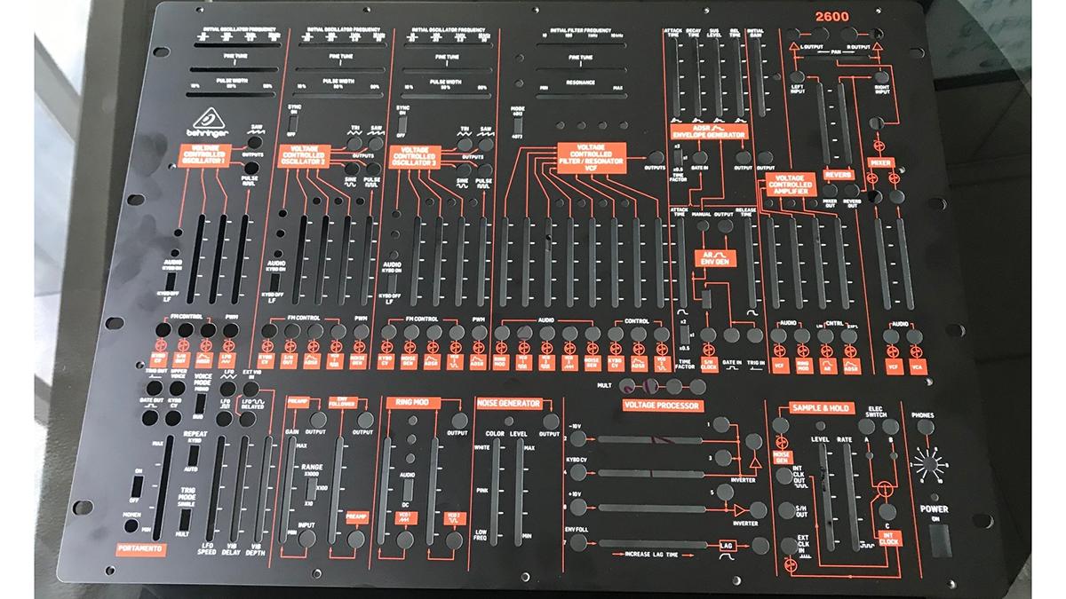 Behringer 2600, клон ARP 2600 от Behringer