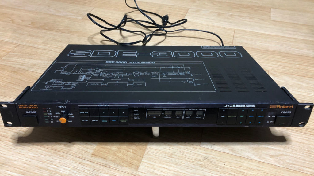 ROLAND SDE-3000