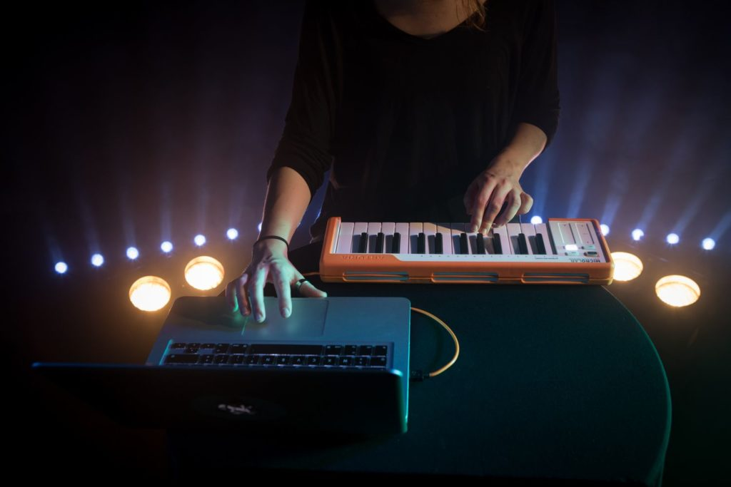 Arturia MicroLab MIDI клавиатура