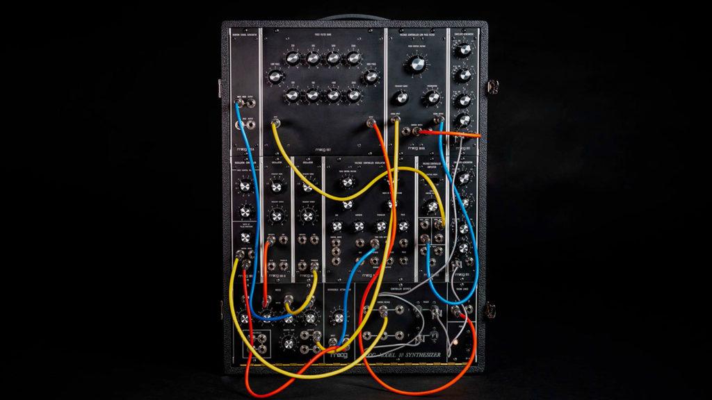 Moog Model 10 модульный синтезатор