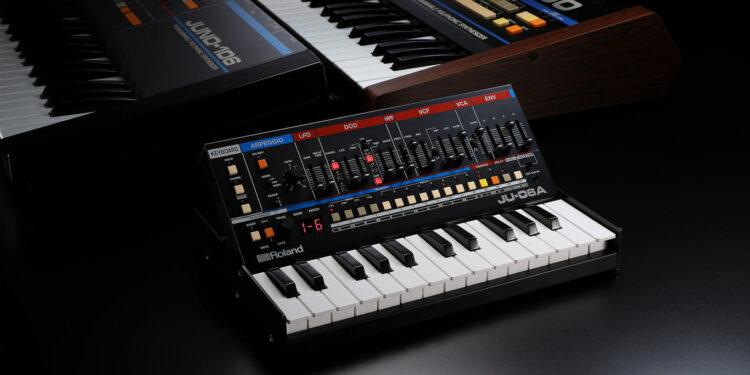 Roland JU-06A Boutique синтезатор