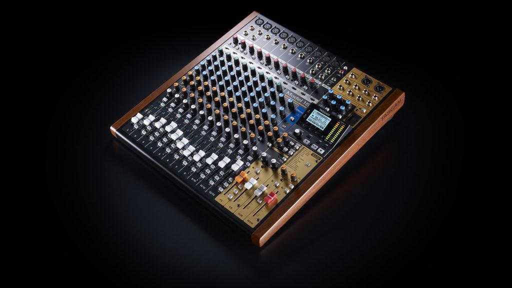TASCAM Model 16 микшер рекордер аудиоинтерфейс