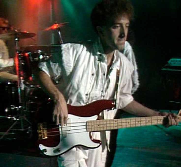 Джон Дикон Fender Precision Bass Elite I