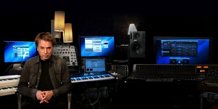 Жан-Мишель Жарр утверждает, что Korg вернёт нарынок синтезатор ARP 2600