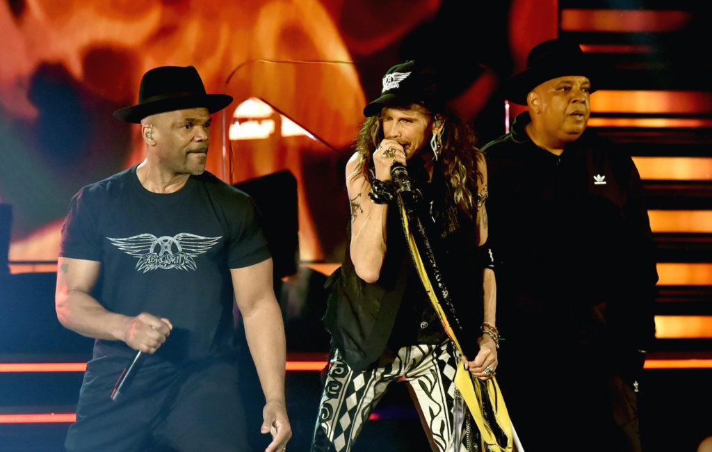 Aerosmith иRun-DMC исполнили «Walk This Way» впервые с1986 года