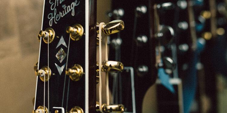 Heritage Guitars подала в суд на Gibson, обвинив компанию в харассменте