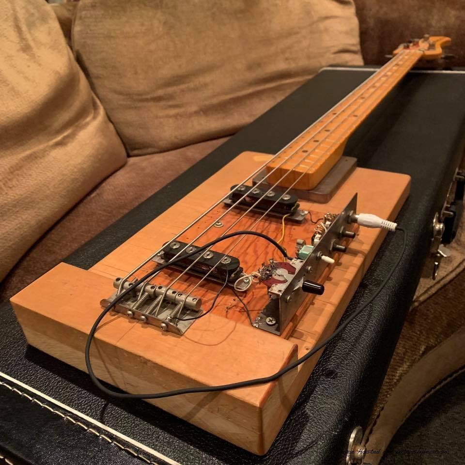 Fender Breadboard Bass