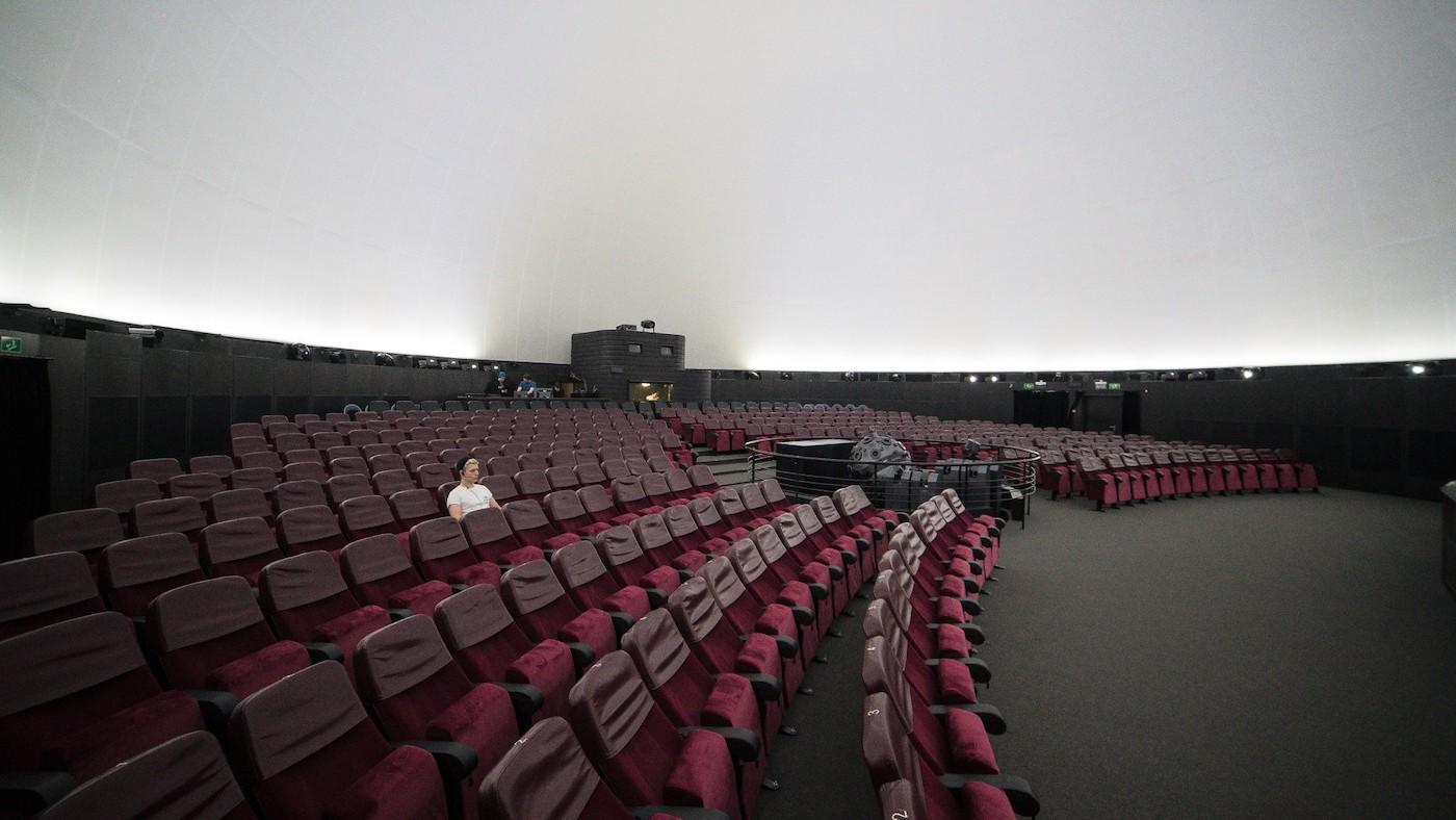 Пустой зрительный зал
