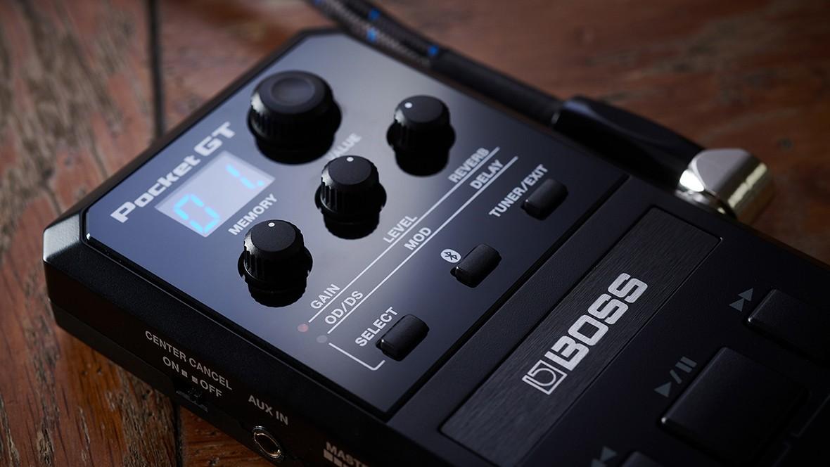 BOSS Pocket GT: компактный гитарный процессор с эмуляцией усилителей и функцией обучения по роликам на YouTube