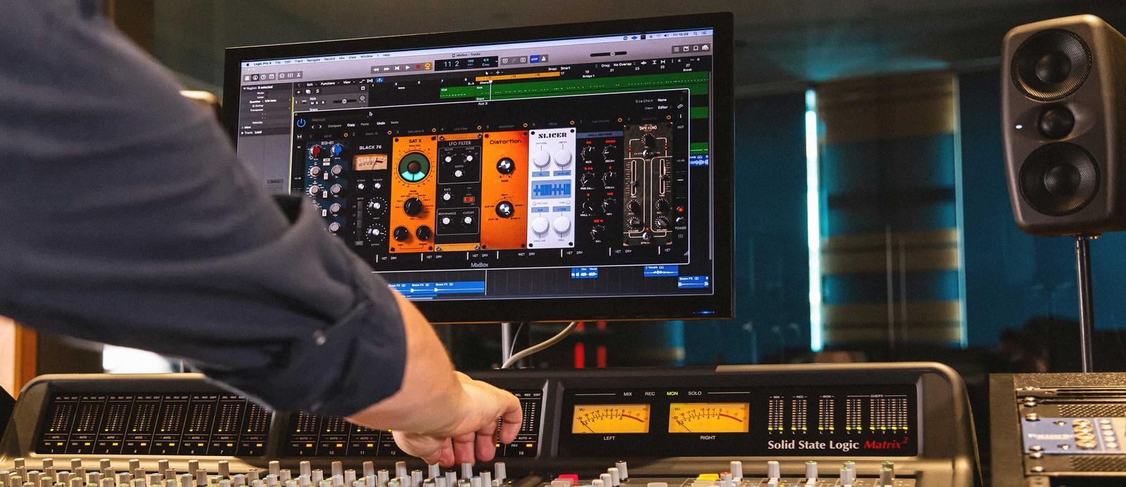 IK Multimedia MixBox объединяет все необходимые каждому продюсеру плагины в едином интерфейсе
