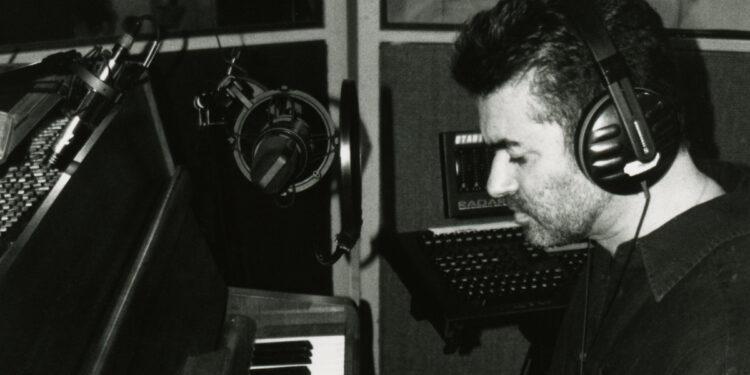 Джордж Майкл и пианино Steinway Джона Леннона