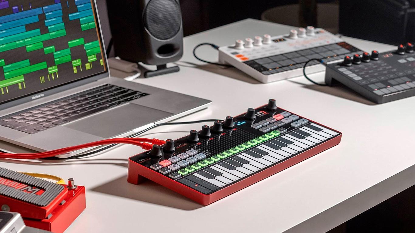 Синтезатор IK Multimedia UNO Synth Pro Desktop