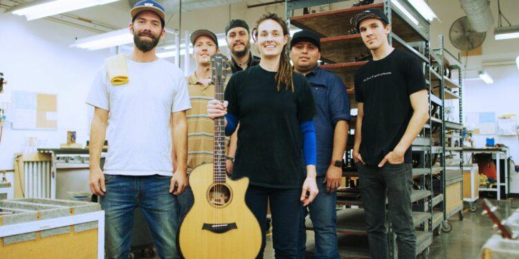 Taylor Guitars перешла под управление сотрудников компании