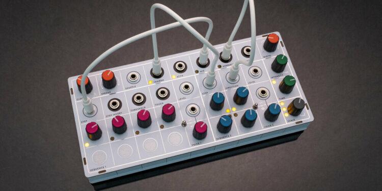Modern Sounds Pluto компактный синтезатор