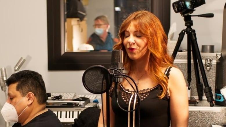 Джой Чапмен певица у которой самый низкий голос