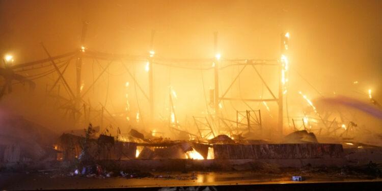 Мощный пожар уничтожил склад Friedman Amps, Soldano и Bogner в Лос-Анджелесе [ВИДЕО]