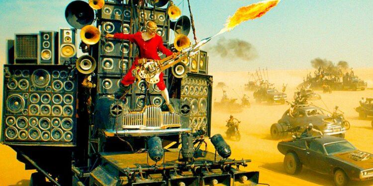 Грузовик с гитарным оборудованием и электрогитара с огнеметом из фильма Безумный Макс выставлена на торги