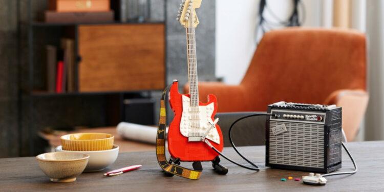 Конструктор LEGO Ideas Fender Stratocaster